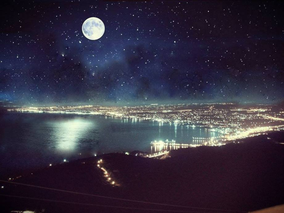 moonoverheraklion